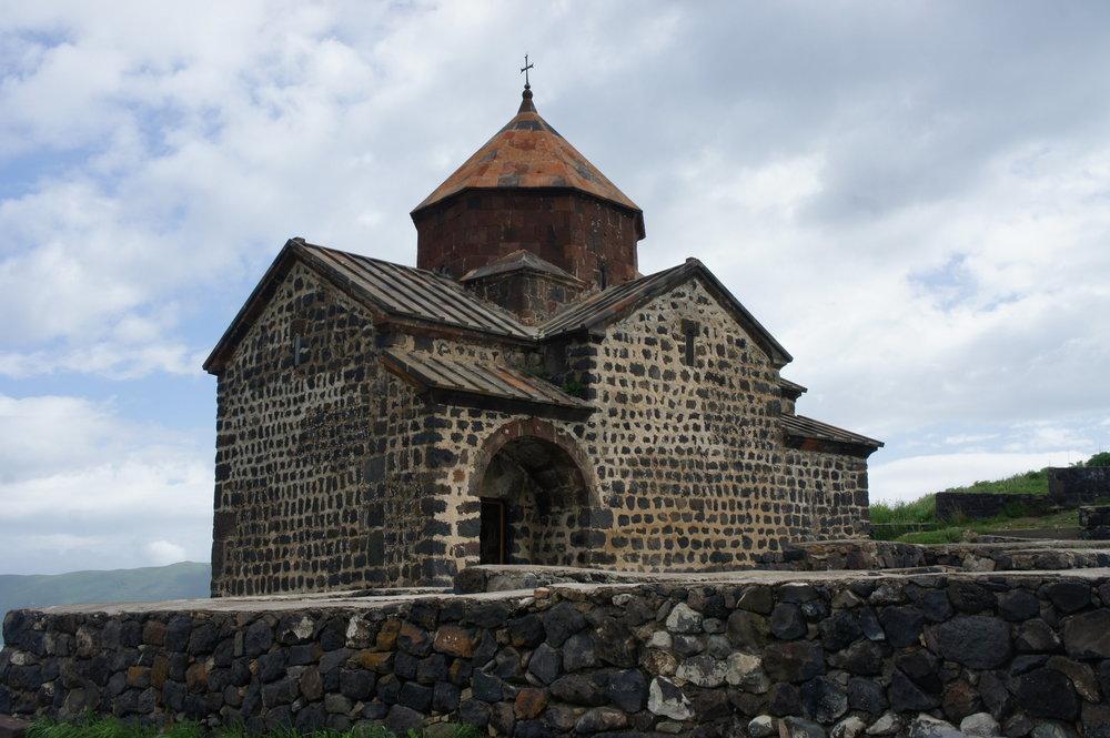 DSC03713    Армения   озеро Севан   монастырь Севанаванк  .JPG