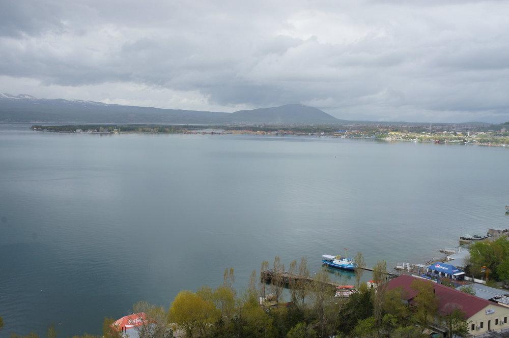 DSC03714    Армения   озеро Севан   монастырь Севанаванк  .JPG