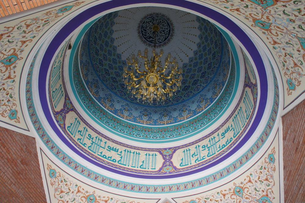 DSC02949  Азербайджан комплекс-паломническая мечеть %22Имам-Заде%22  .JPG