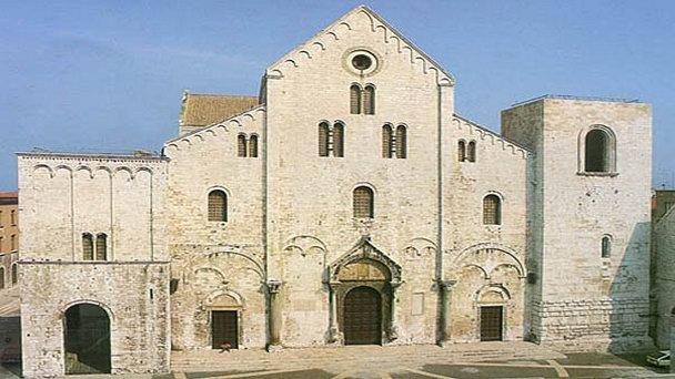 базилика-святого-николая-угодника-в-апулии[1].jpg