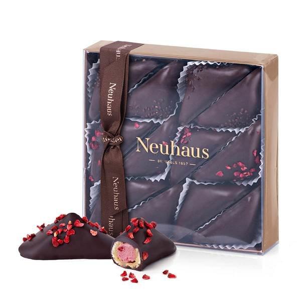 neua000379_01_neuhaus-star-pralines-all-dark-chocolate-12-pcs[1].jpg