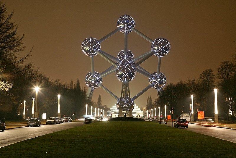 brussels-atomium[1].jpg