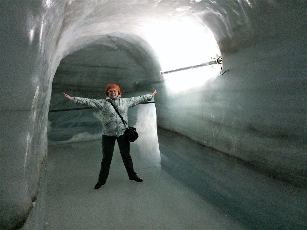 18.06.25_240_ на Юнграуйох_ Ледниковый дворец.JPG