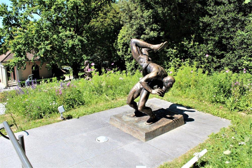 18.06.26_251-4_ Лозанна_ олимпийский парк.JPG