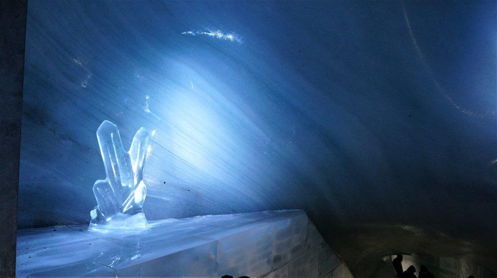 18.06.25_210_ на Юнграуйох_ Ледниковый дворец.JPG