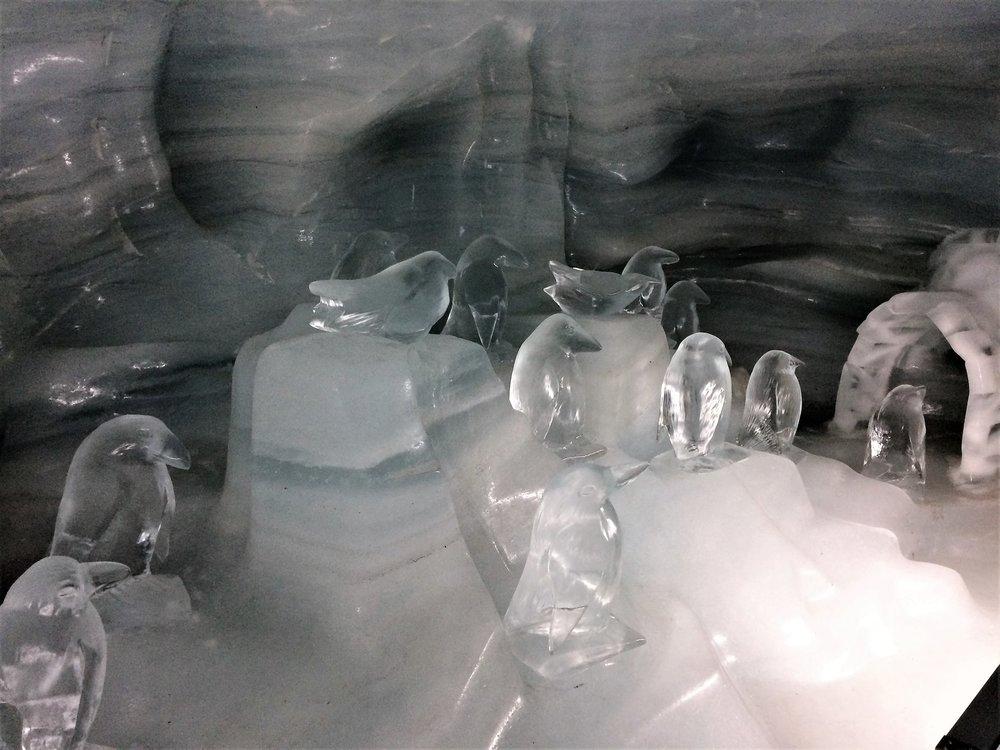 18.06.25_268_ на Юнграуйох_ Ледниковый дворец.JPG