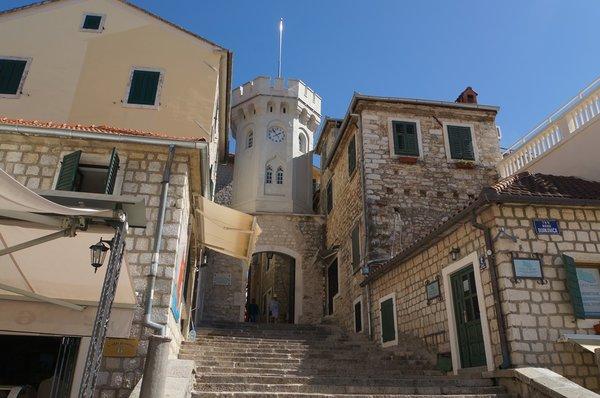 11412.Херцег-Нови.Часовая башня (Сат Кула).jpg