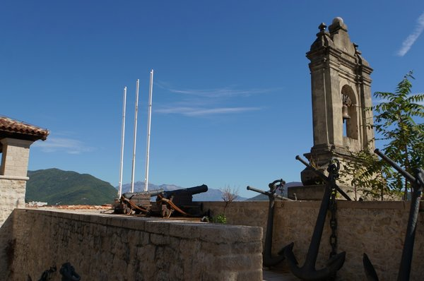 11442.Херцег-Нови.Крепостные стены.Пушки.Якоря.jpg