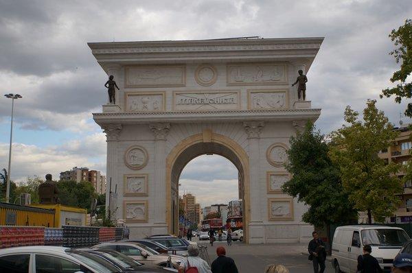 12655.Скопье.Триумфальная арка «Македония».jpg