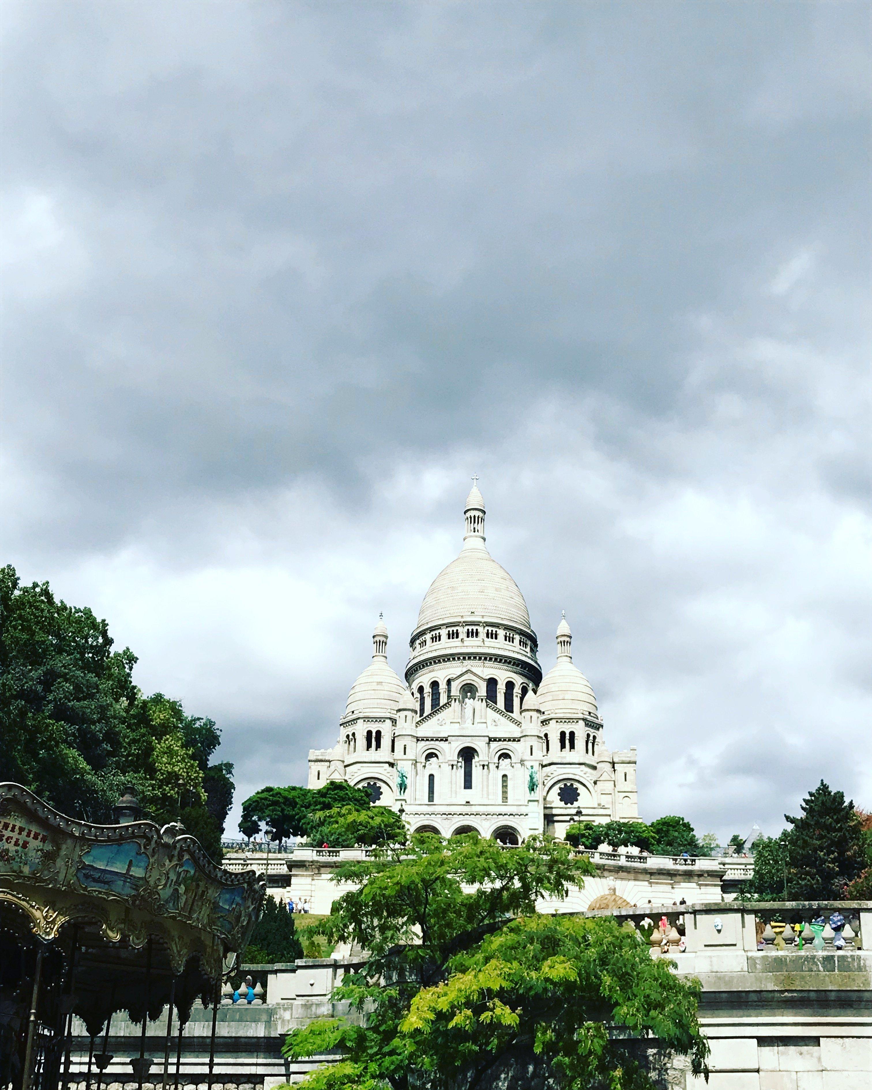 Грациозный , великолепный Париж ?