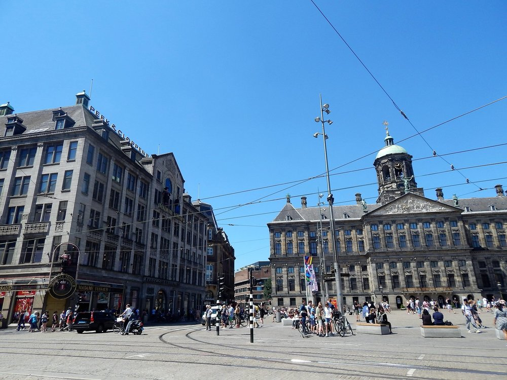 Амстердам( площадь Дам1).jpg