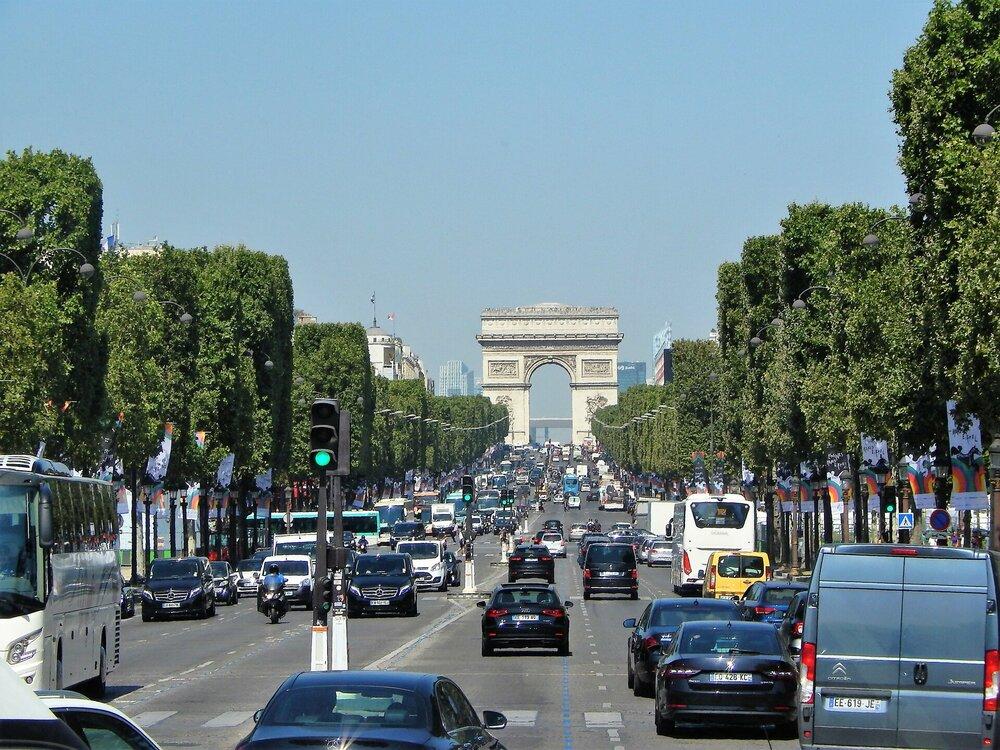 Париж Елисейские поля 1.jpg