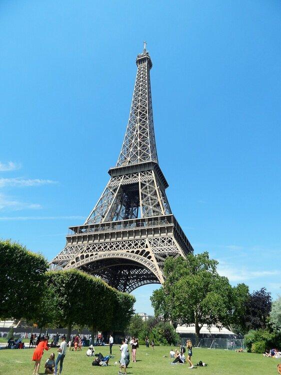 Париж Эйфелева башня2.jpg