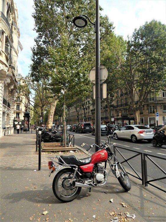 Париж100.jpg
