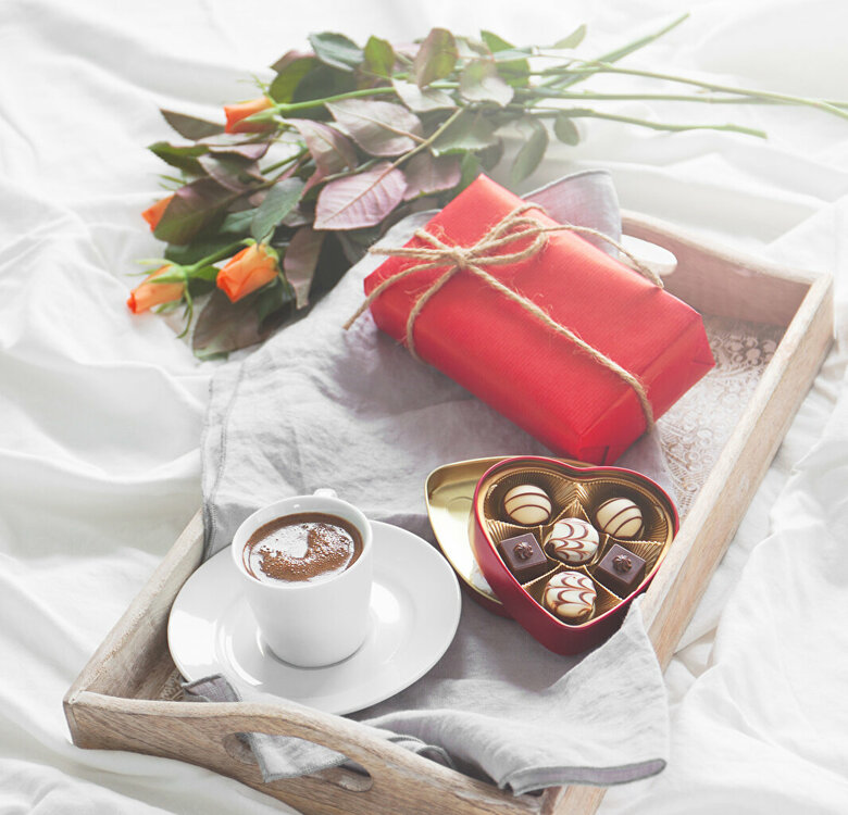 Holidays_Roses_Candy_Coffee_Chocolate_Gifts_Box_512878_1066x1024.jpg