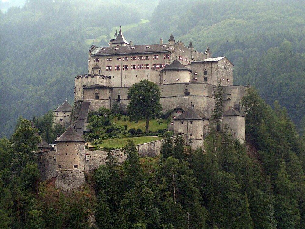 1280px-Festung_Hohenwerfen.jpg