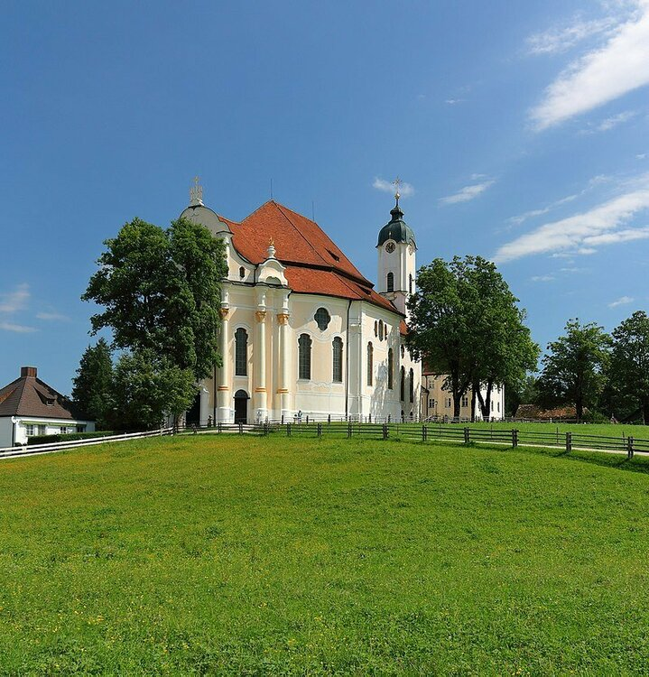 800px-Wieskirche,_August_2017.jpg
