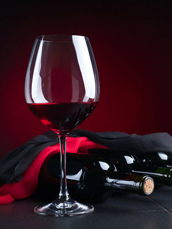 Wine_Colored_background_Stemware_Bottle_525370_600x800.jpg