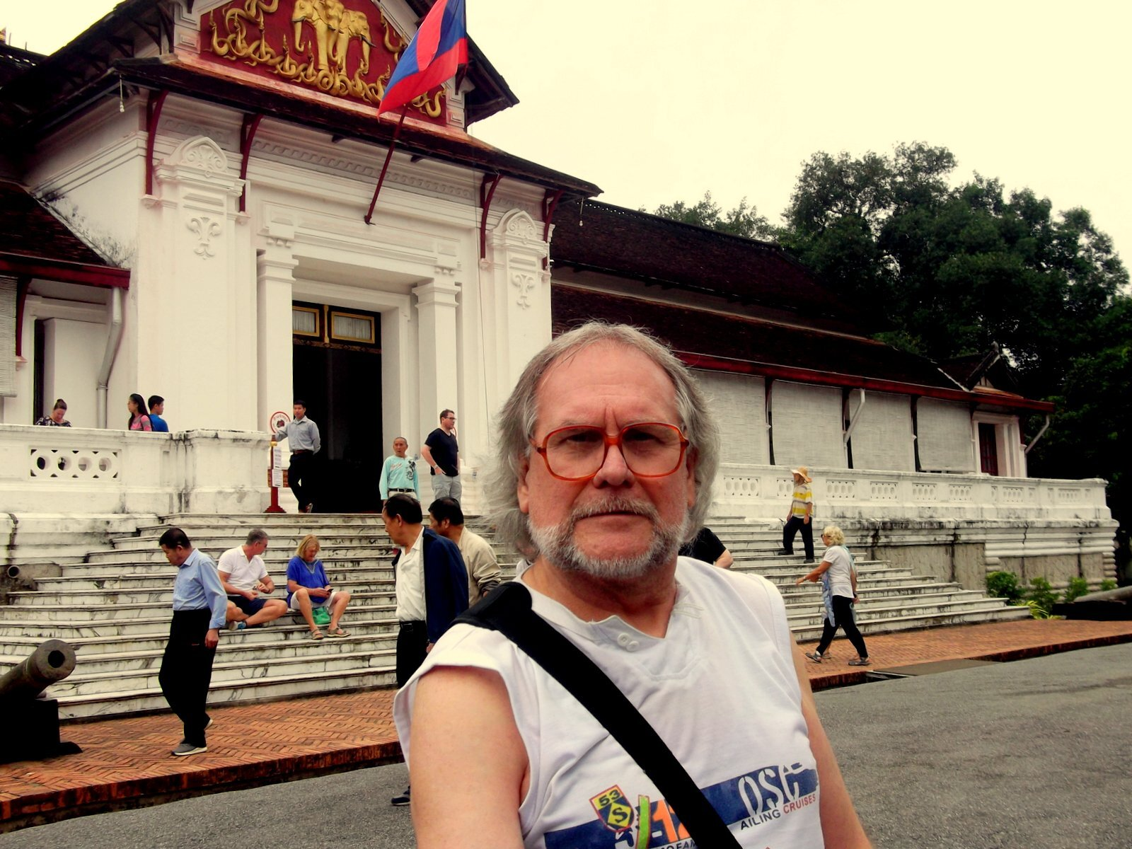 ЛАОС, Луанг-Прабанг. Королевский дворец-музей, Храм (Ват) Сиенгтхонг