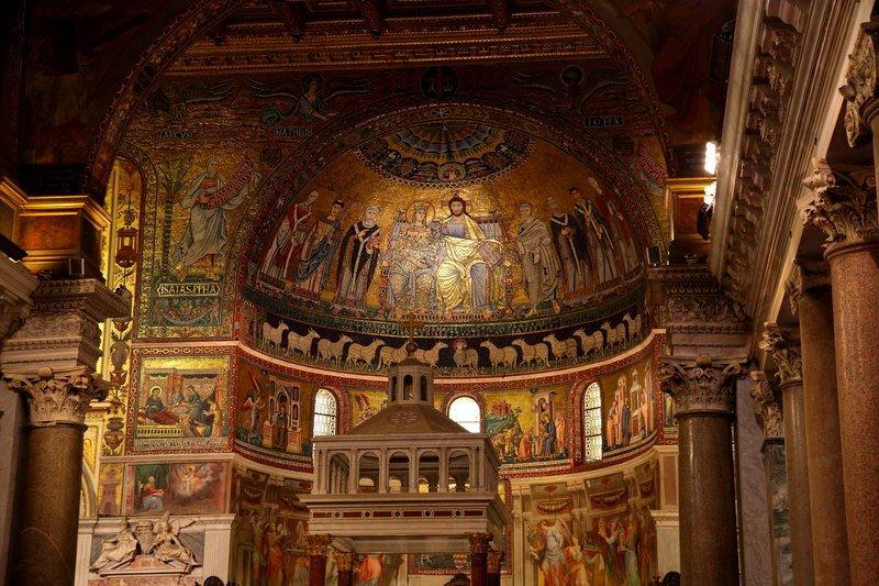 62_Basilica_di_santa_maria_in_trastevere_03[1].jpg