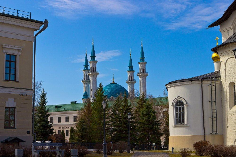 IMG_6195-1 Казанский Кремль Вид на мечеть Кул-Шариф.jpg