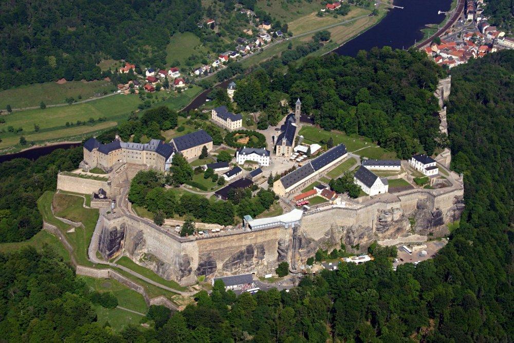 ____Aerial_photo_of_Festung_Königstein,_October_2008.jpg
