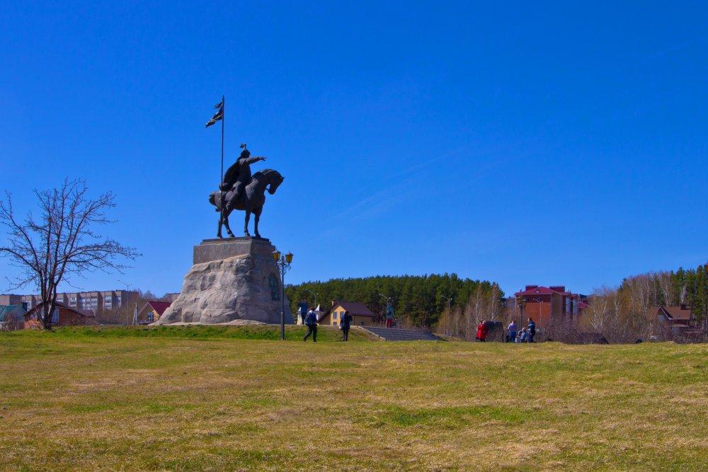 IMG_6521-1 Елабуга Памятник.jpg