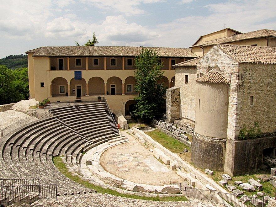 Roman-Theatre-Spoleto-Umbria-Italy[1].jpg