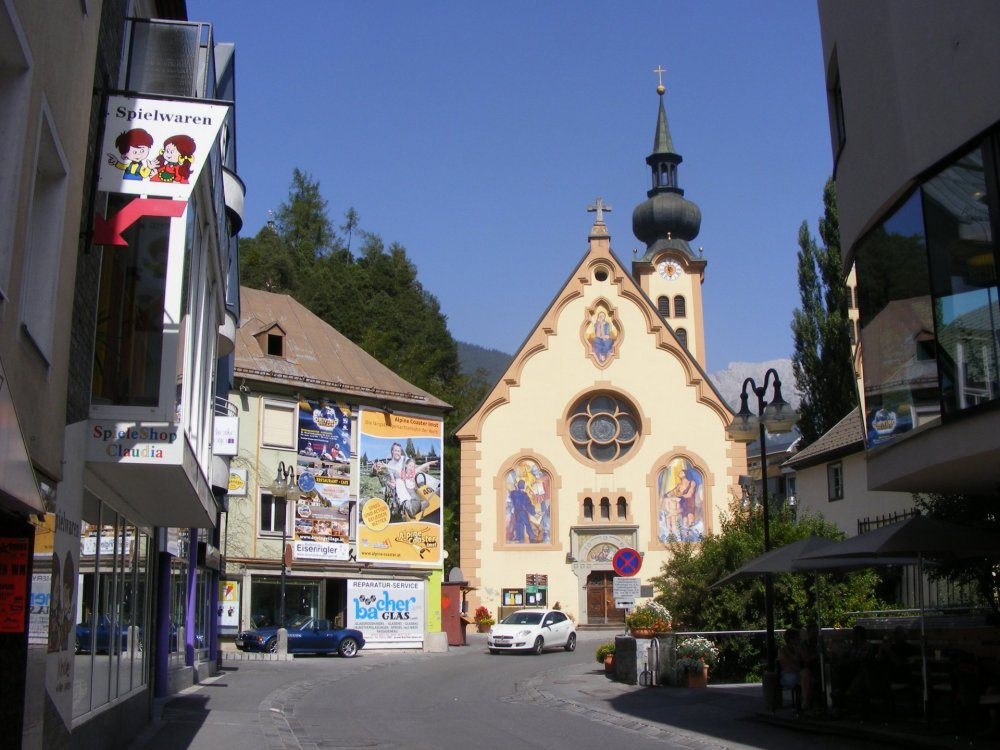Johanneskirche_2011.jpg