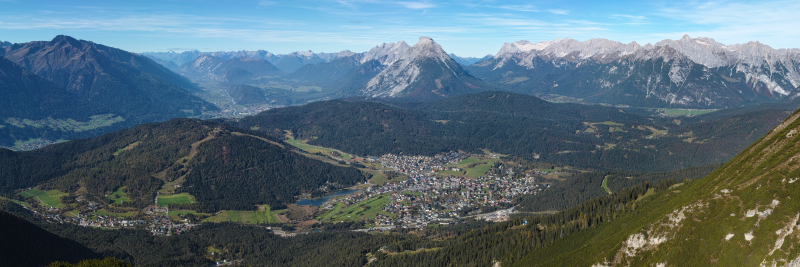 Seefeld_in_Tirol_Austria_from_ESE_on_2014-10-18.png