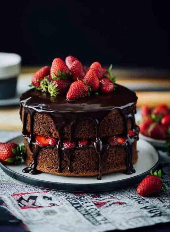 tortik-pirozhnoe-s-yagodami.jpg