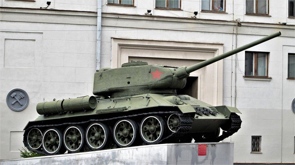 197_Военная техника, Первомайская ул., 27.JPG