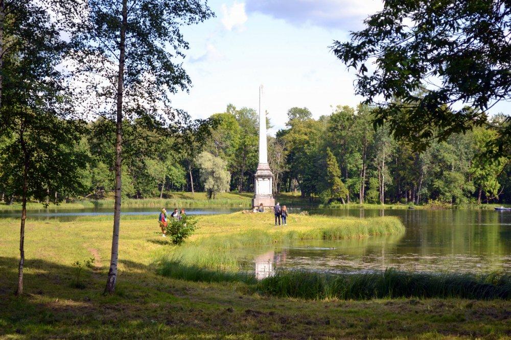 Чесменский обелиск.JPG