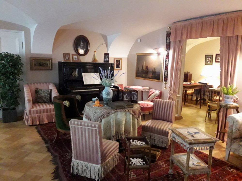 В комнатах семьи Александра III.jpg