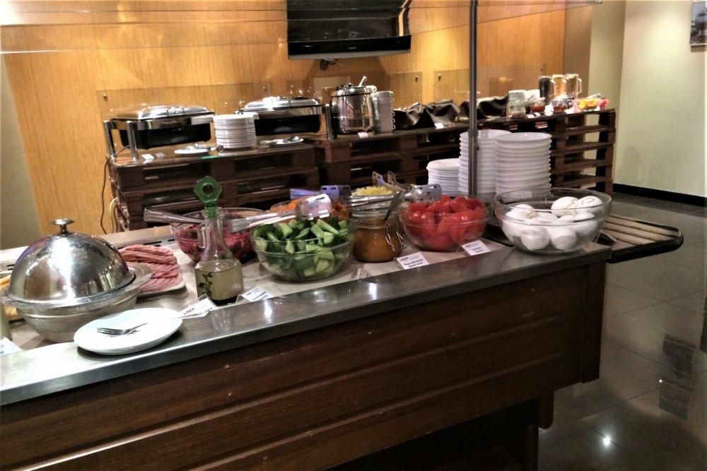 08_Завтрак в отеле.JPG