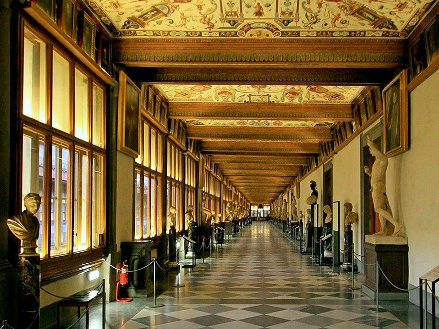 seek-out-botticellis-masterpieces-the-birth-of-venus-and-primavera-inside-the-uffizi-gallery-in-florence-italy[1].jpg