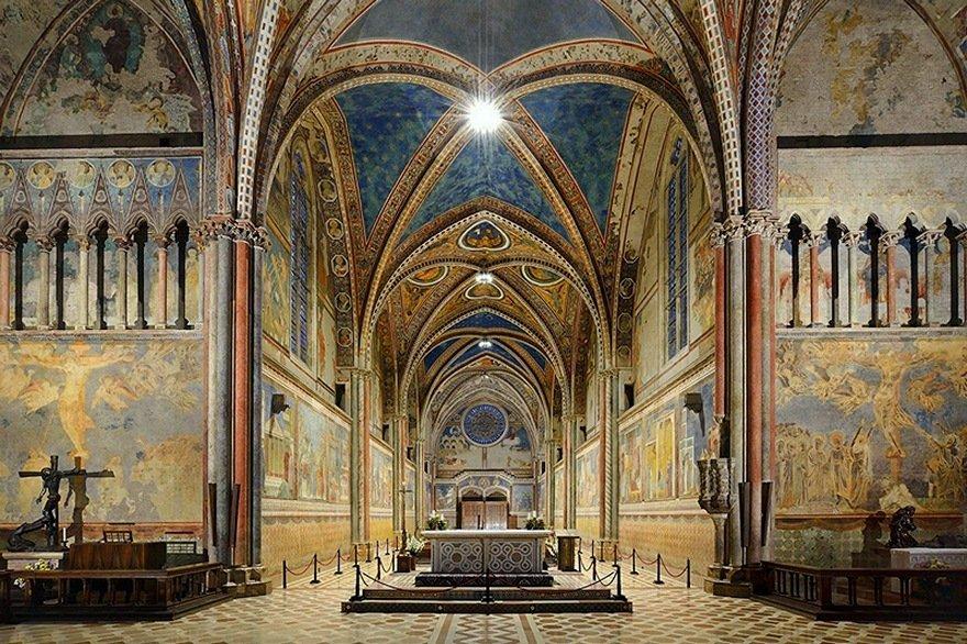 interno-della-basilica-superiore-di-san-francesco[1].jpg