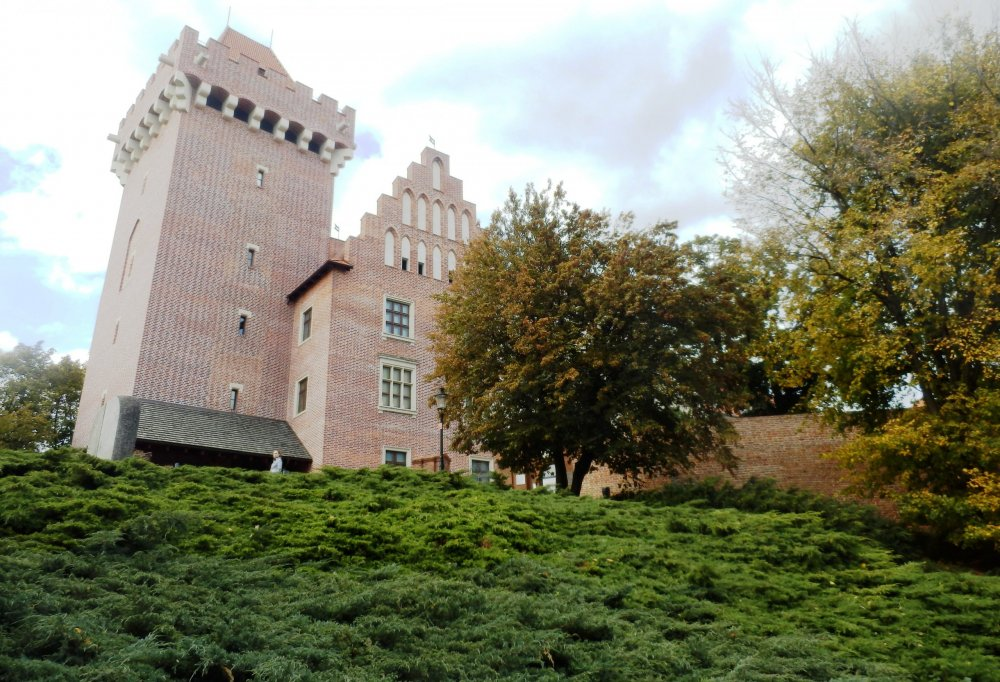 Королевский замок, а  сейчас музей прикладного искусства.JPG