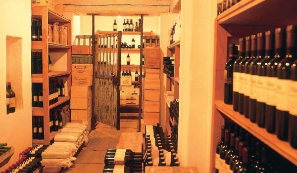15-14-44-Slovenian-wines-vinoteka.jpg