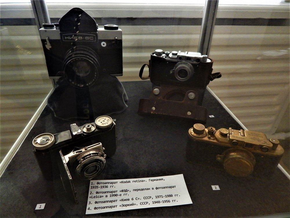 Брест музей 15 фотоаппараты.jpg