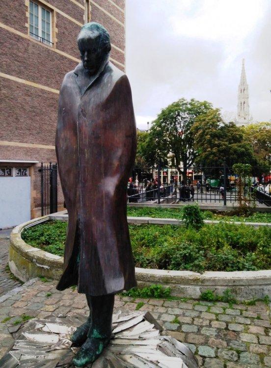 Памятник композитору Беле Бартоку.jpg