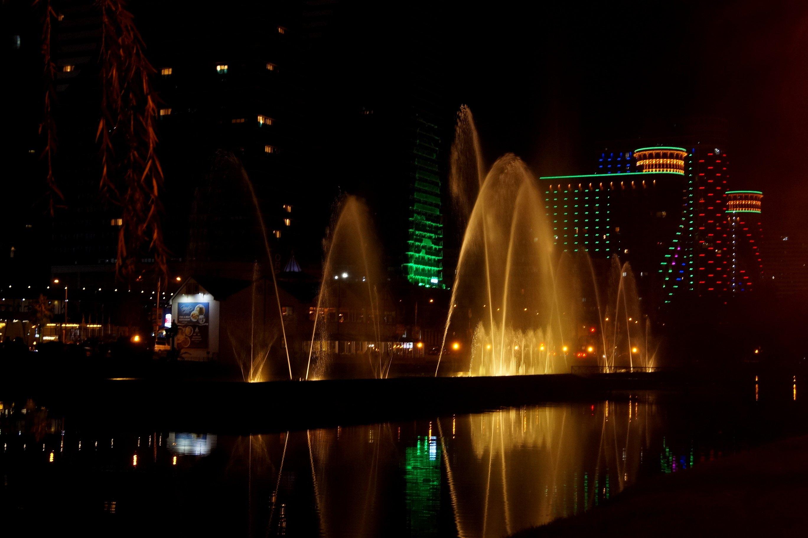 Танцующие фонтаны и немного вечернего Батуми (Заметки из солнечного отпуска. День 8)