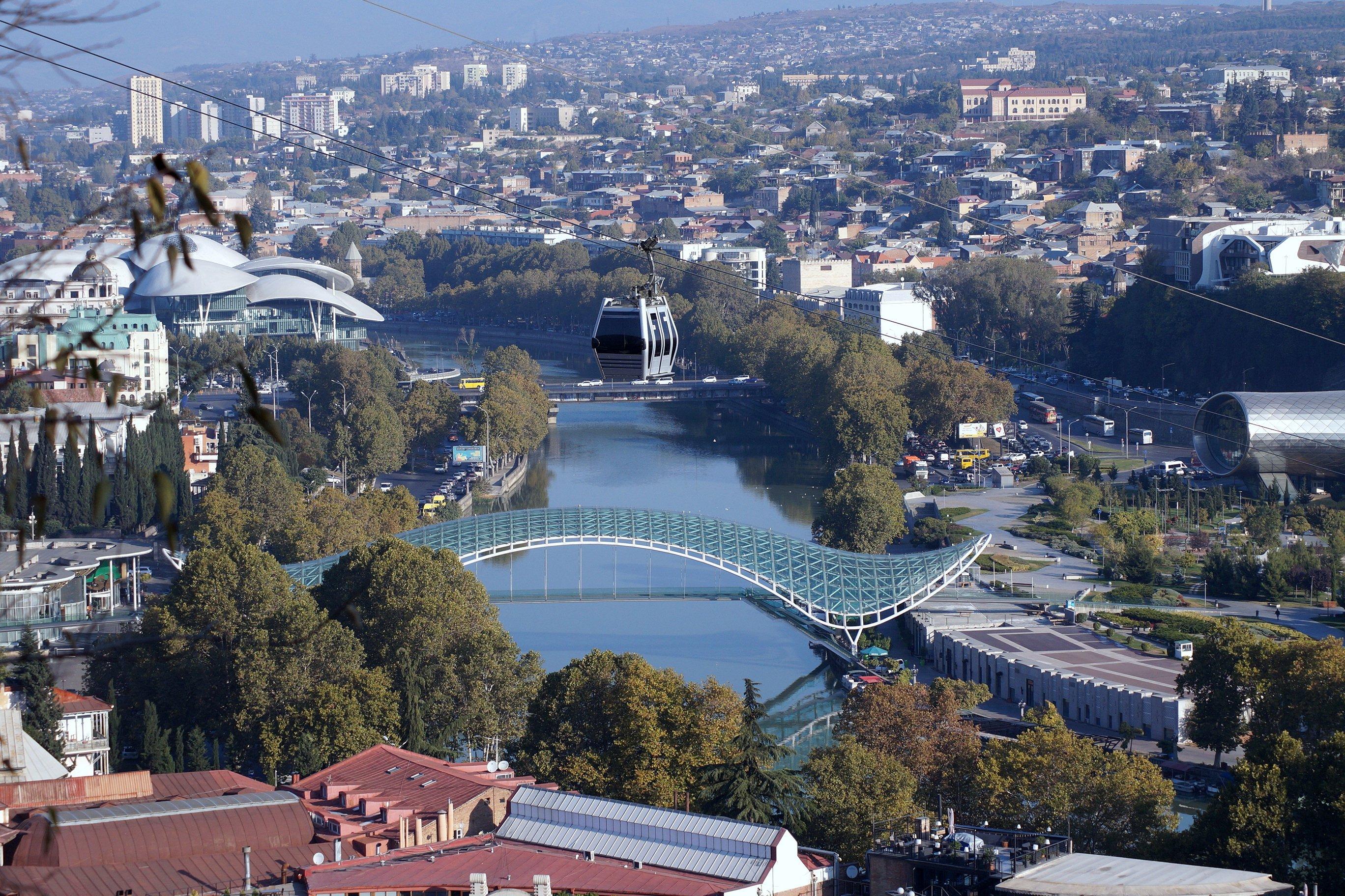 Картинки из Тбилиси (с высоты Нарикалы). (Заметки из солнечного отпуска, день 10)