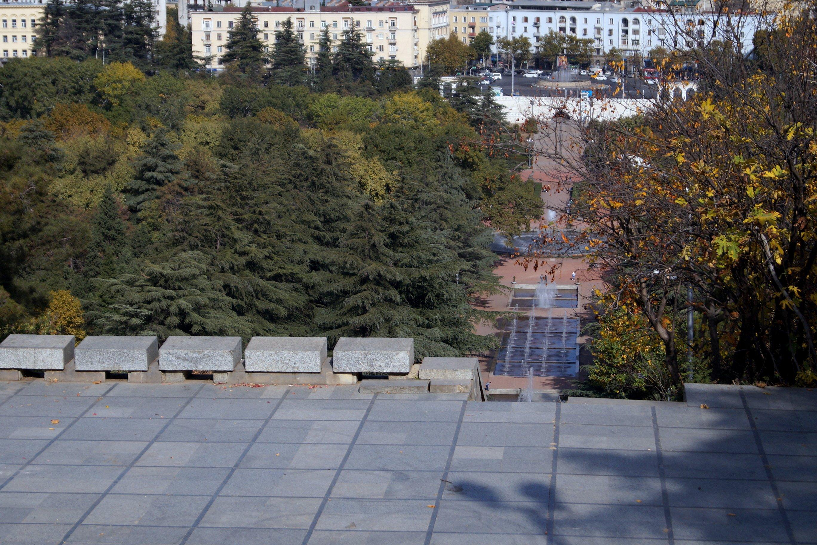 Картинки из Тбилиси, до этнографического музея и обратно (Заметки из солнечного отпуска, день 11)