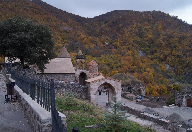 Монастырь Дадиванк, Арцах. (Заметки из солнечного отпуска. День 13)