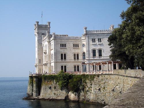 CastelloMiramare.jpg