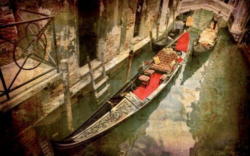453679_veneciya_italiya_gondola_kanal_mostik_granzh_1680x1050_(www.GdeFon.ru).jpg