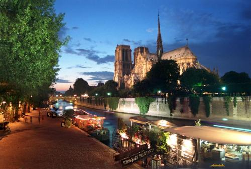 wallpaper_fromparis_notre_dame_full.jpg