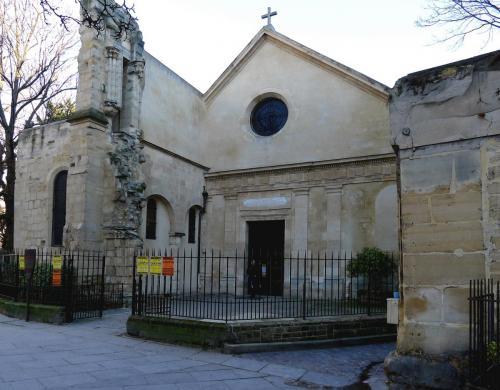 Церковь Сен-Жюльен-ле-Повр.JPG