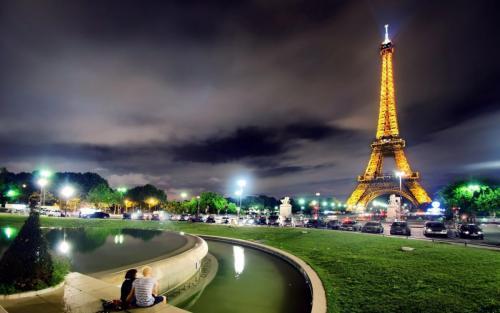 Landscape-Of-Paris-1050x1680.jpg